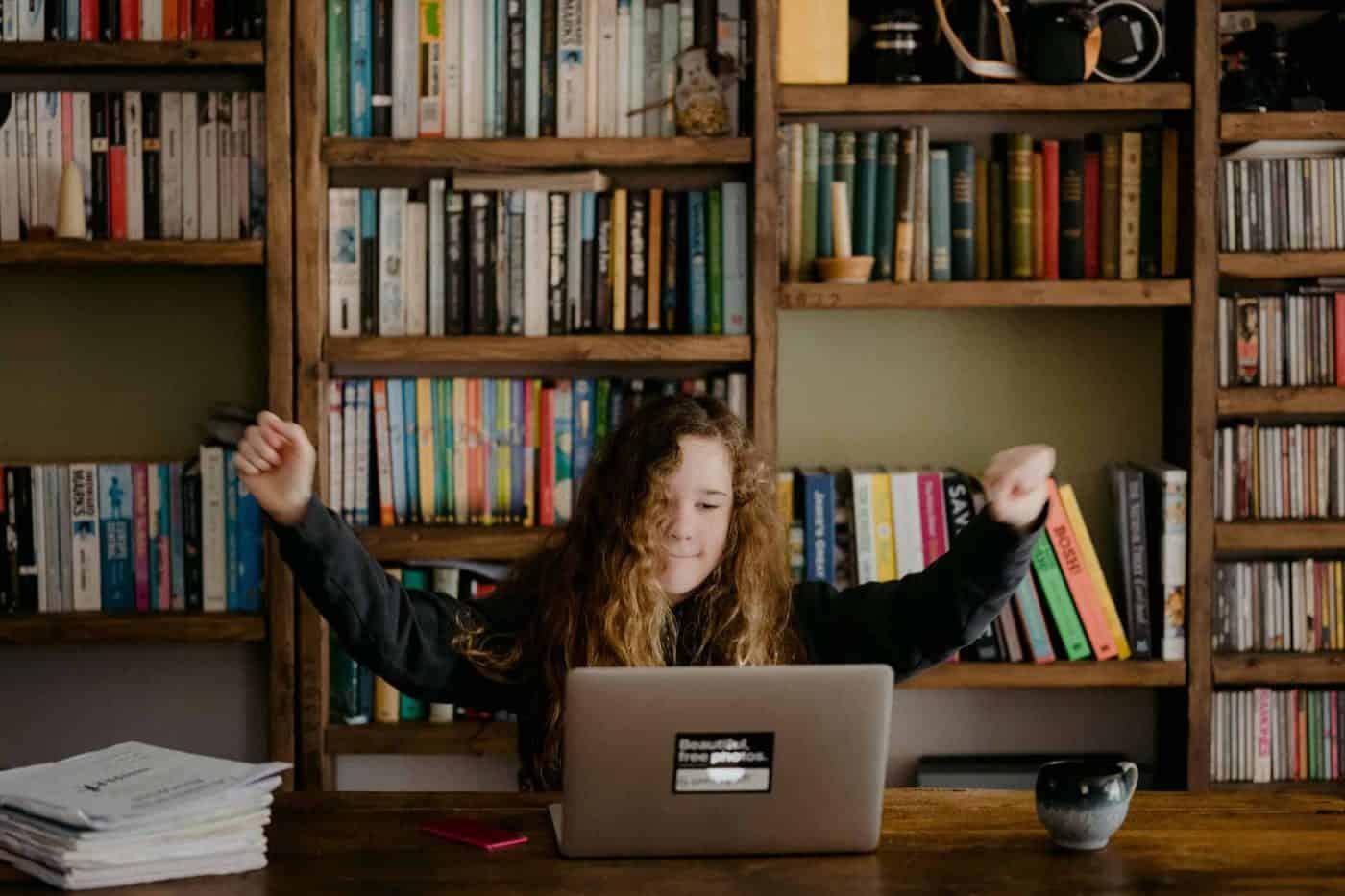 Dutch for Kids voor scholen - Nationaal Onderwijs Programma Taallessen voor kinderen tijdens schooltijd bijles voor kinderen
